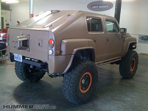 Amazing custom HUMMER H3T is Battle Ready