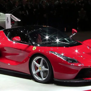 LaFerrari-6.3-liter-V12-963-hp-red-side