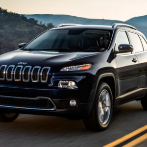 Jeep Cherokee front three quarter motion