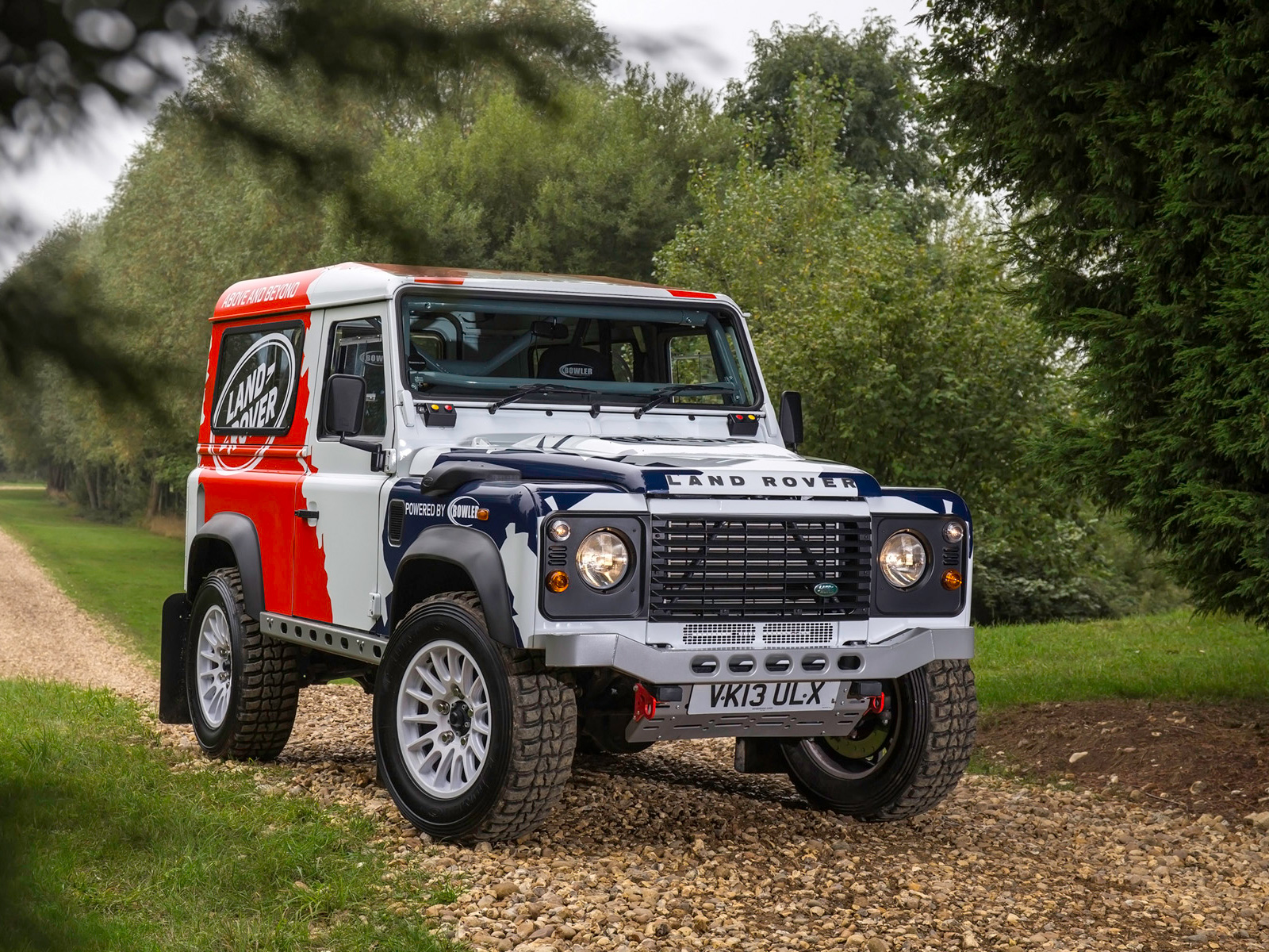 2014 Land Rover Defender 4