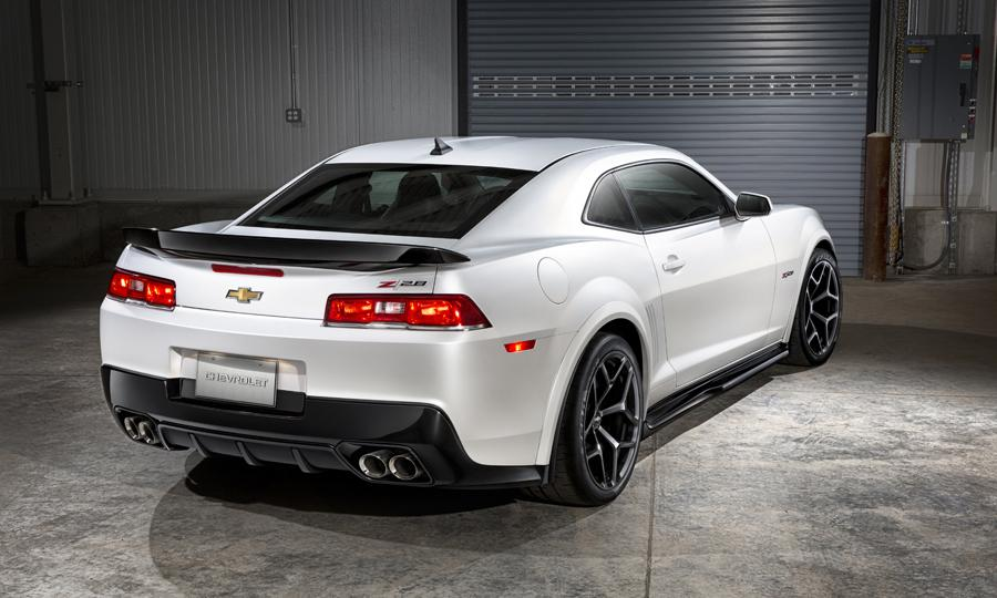 The rear of the new 2014 Camaro Z/28