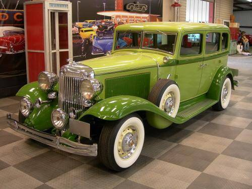 1932 Chrysler 4 Door Custom Sedan