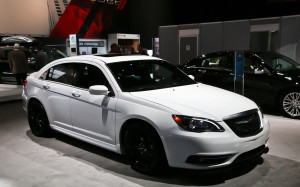 2013 White Chrysler 200