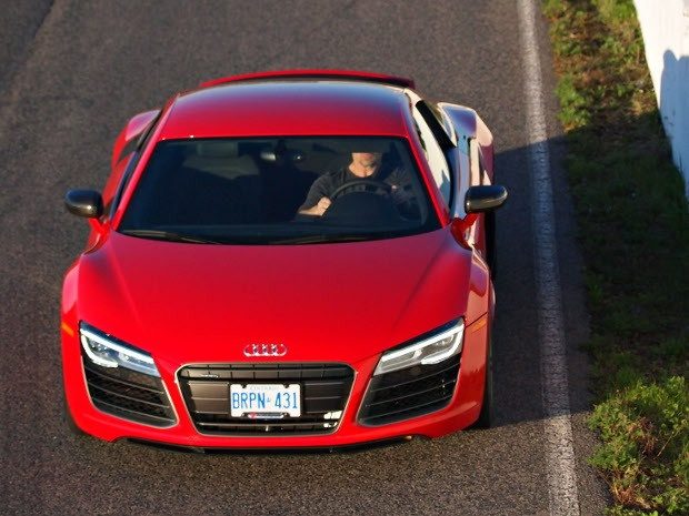 Six years on, and the R8 is still one of the hottest supercars on the market. #cars #Audi 16