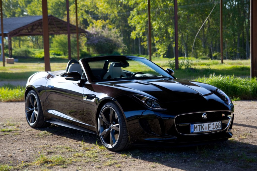 A royal black 2013 Jaguar F-Type R Coupe