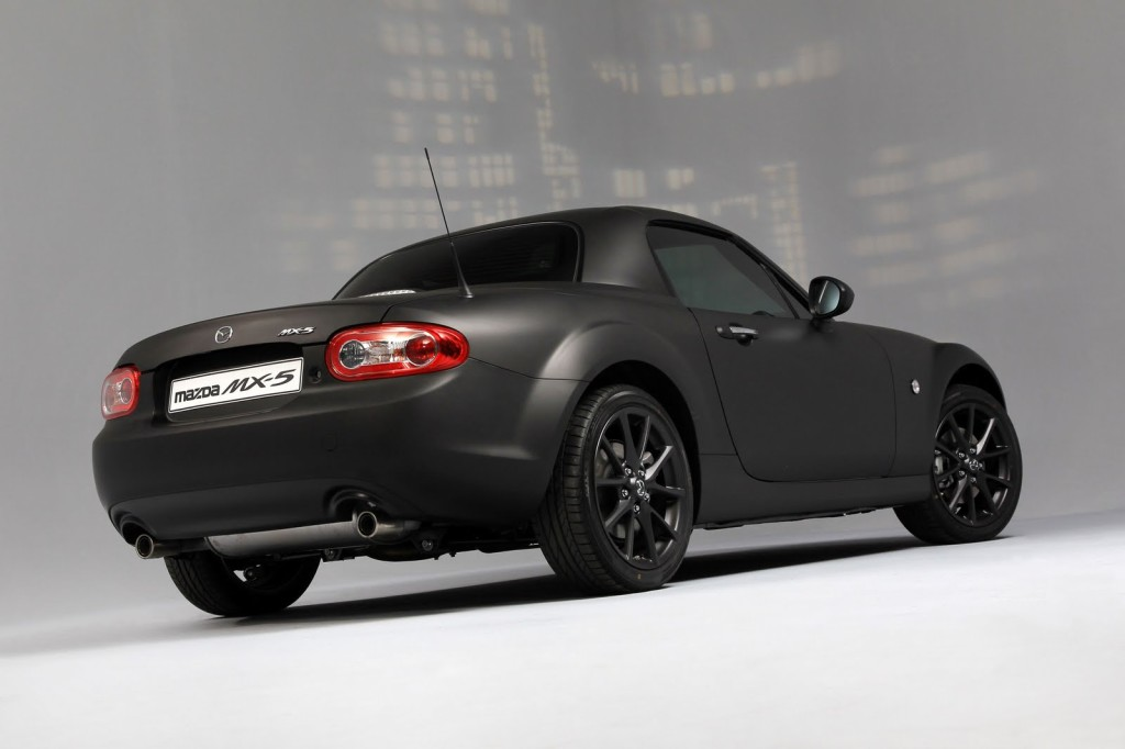 Mazda-MX-5-Black-and-Matte-Cars