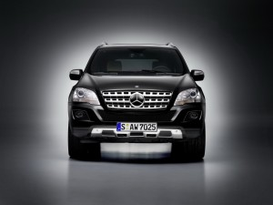Mercedes-Benz presents the luxury van Viano Vision …
