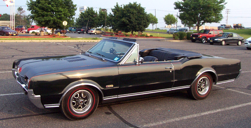 Oldsmobile Cutlass 442 convertible 8