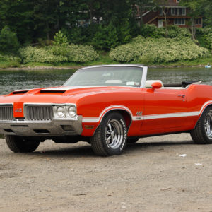 Oldsmobile Cutlass 442 W-30. MotoBurg