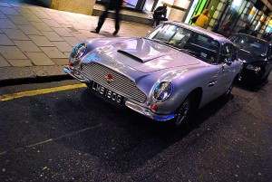 Aston Martin DB6 purple – 1965