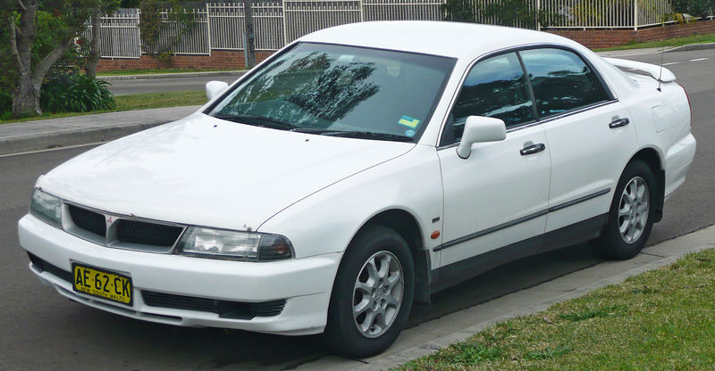 Mitsubishi TH Magna Advance sedan – 1999