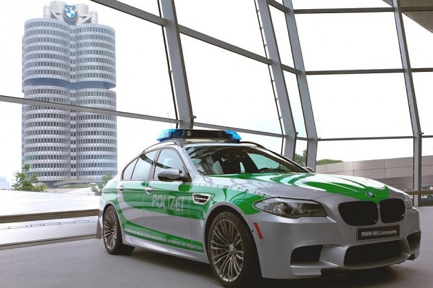 BMW shows off its latest M5 police car concept for the Autobahn  18