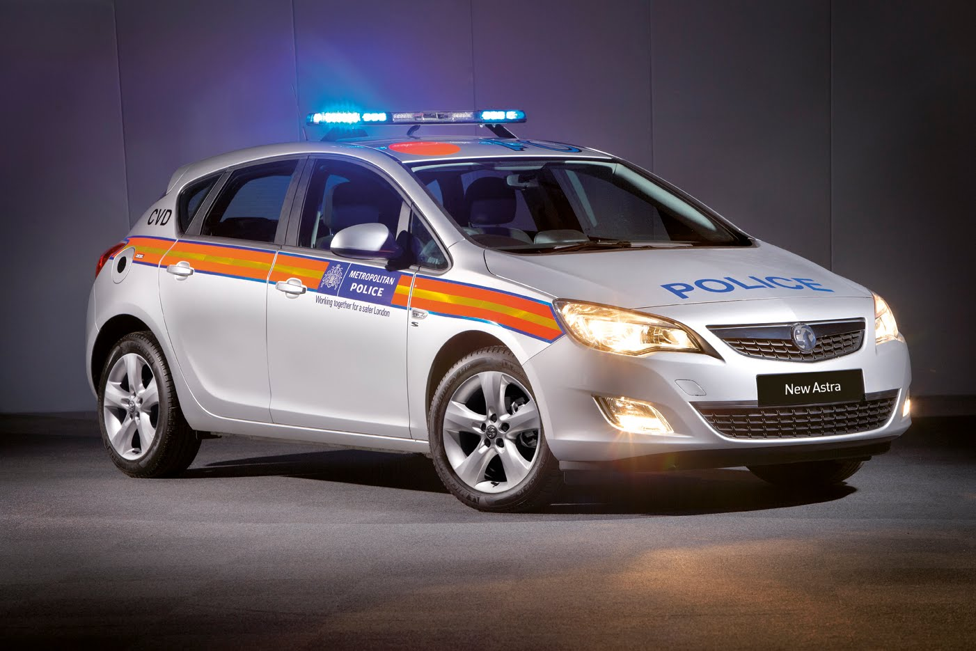 GM Shows Off Astra Police Car  18