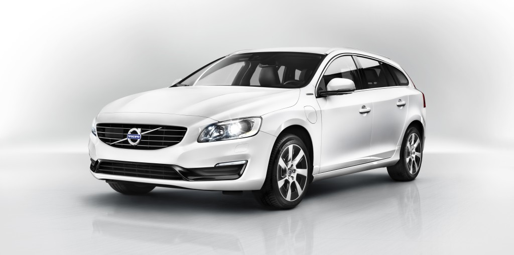 White Color 2013 Volvo V60 SE Lux Plug-in Hybrid Car