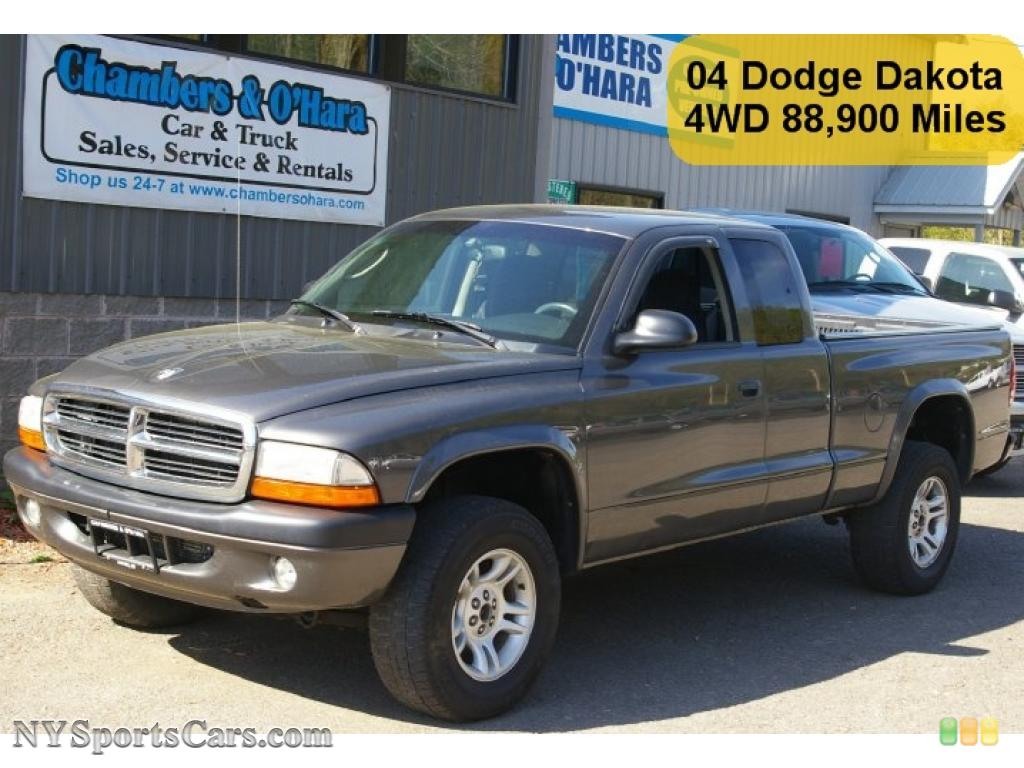 DODGE DAKOTA SPORT CLUB CAB 4×4 IN GRAPHITE METALLIC CAR 1