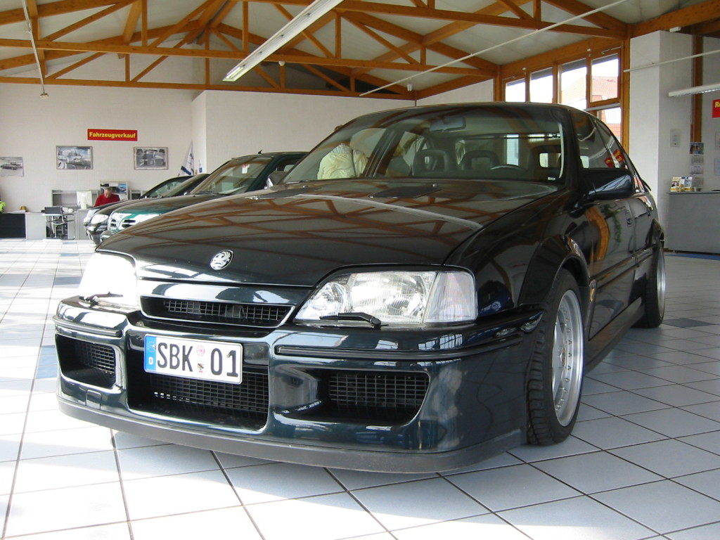 EXOTIC CARS O OPEL LOTUS OMEGA  1