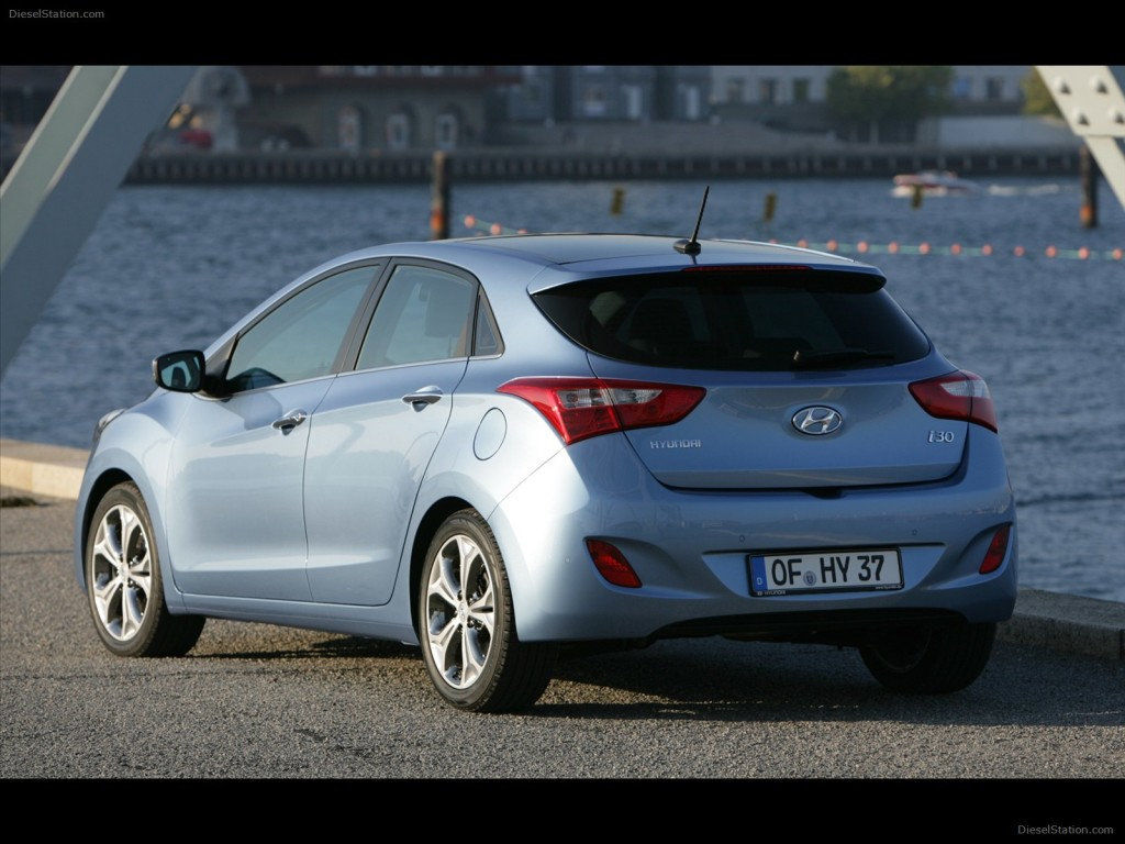 HYUNDAI I30 2013 EXOTIC CAR
