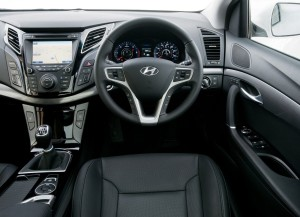 HYUNDAI I40 TOURER UK VERSION INTERIOR 1 CAR