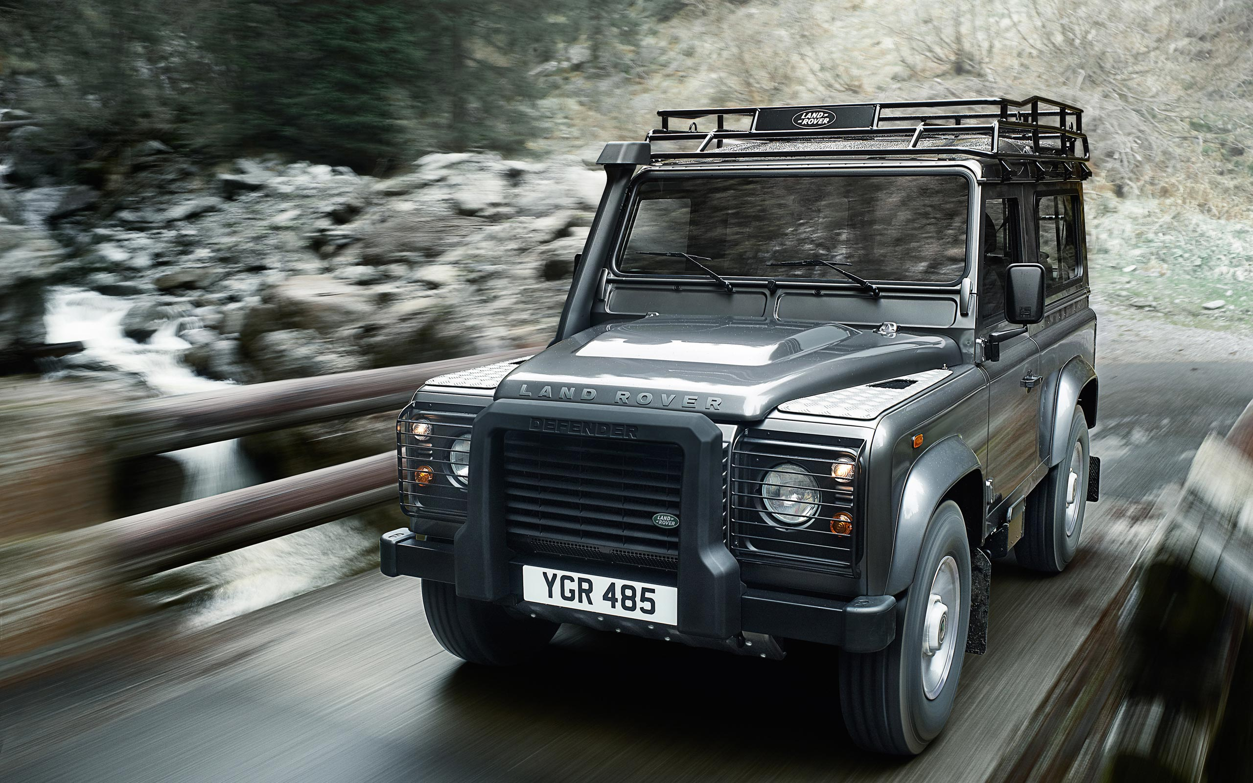 LAND ROVER DEFENDER TOTAL VIEW 22