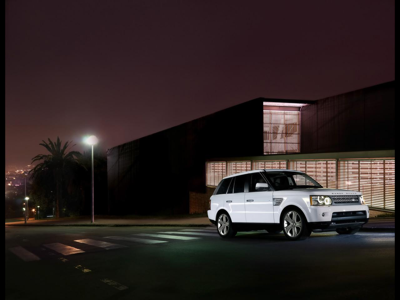 LAND ROVER RANGE ROVER SPORT REVIEW  8