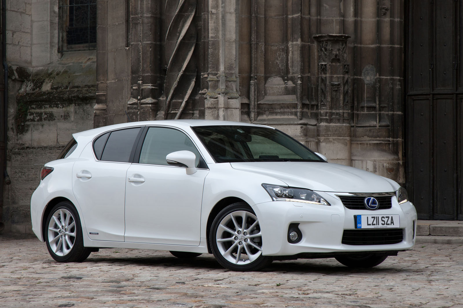 LEXUS CT200H COMPACT HYBRID RACE CAR  15