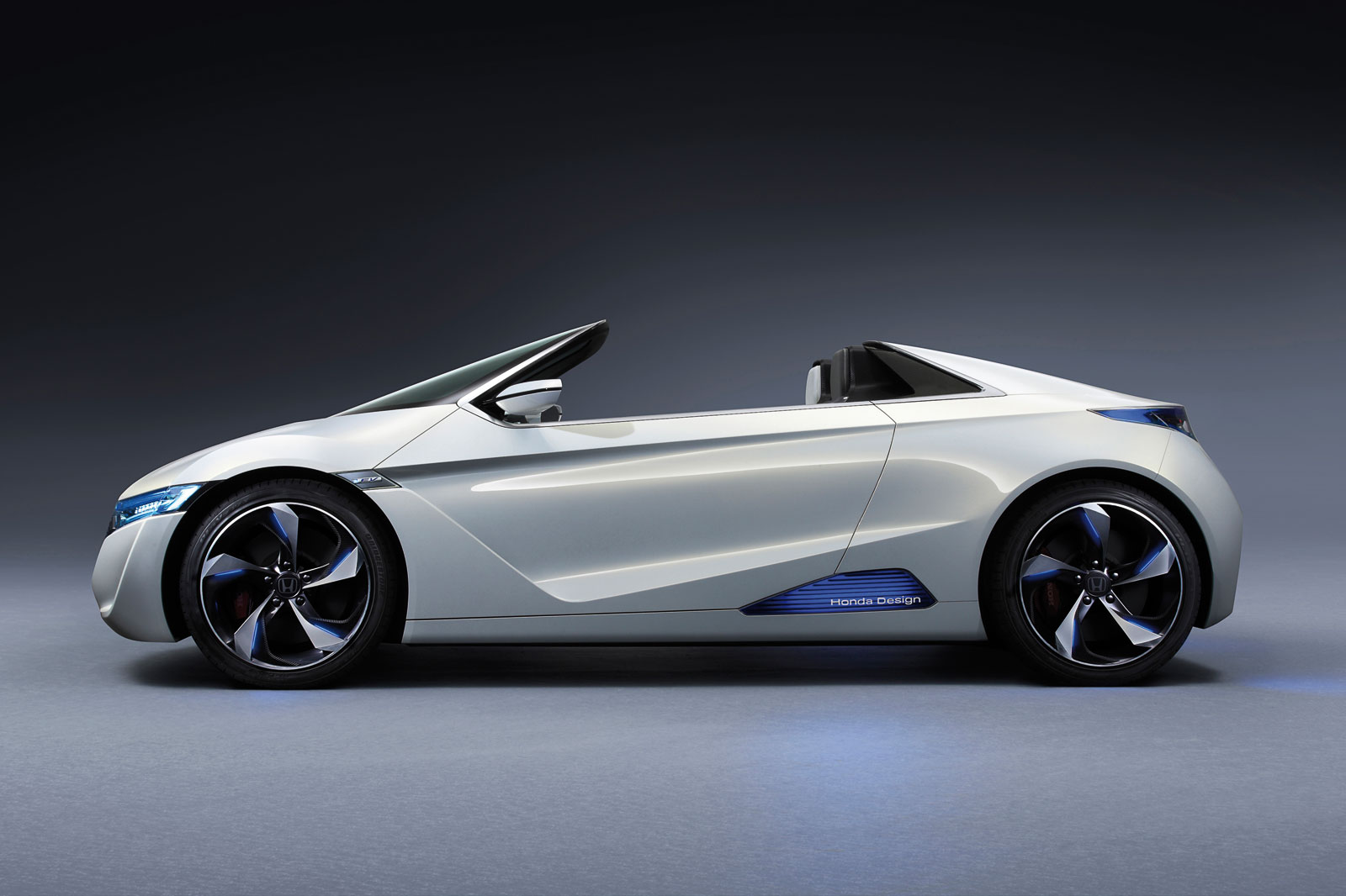HONDA CONVERTIBLE SPORTS CAR  6