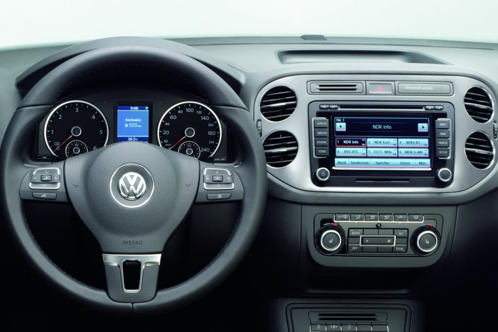 VOLKSWAGEN VW TIGUAN DASHBOARD VIEW