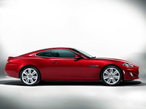 RED JAGUAR XKR 06 CAR