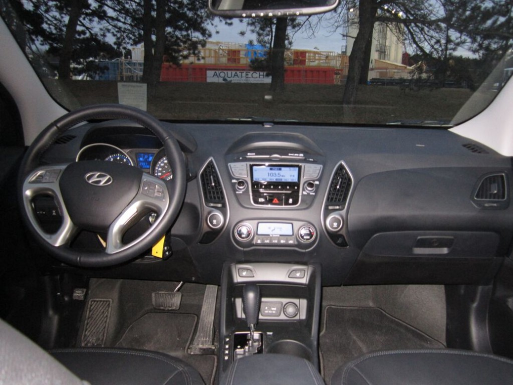 HYUNDAI TUCSON LIMITED CAR