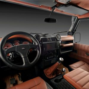 VILNER LAND ROVER DEFENDER INTERIOR 1 CA