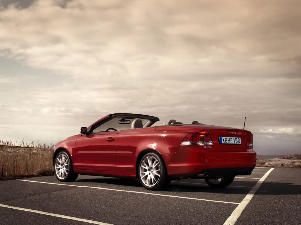 VOLVO C70 5 RED CAR